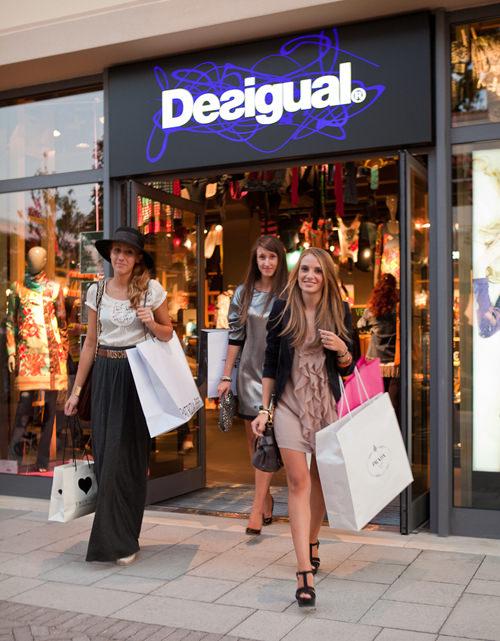 CITY GUIDE// Una giornata di shopping a La Reggia Designer Outlet a ...
