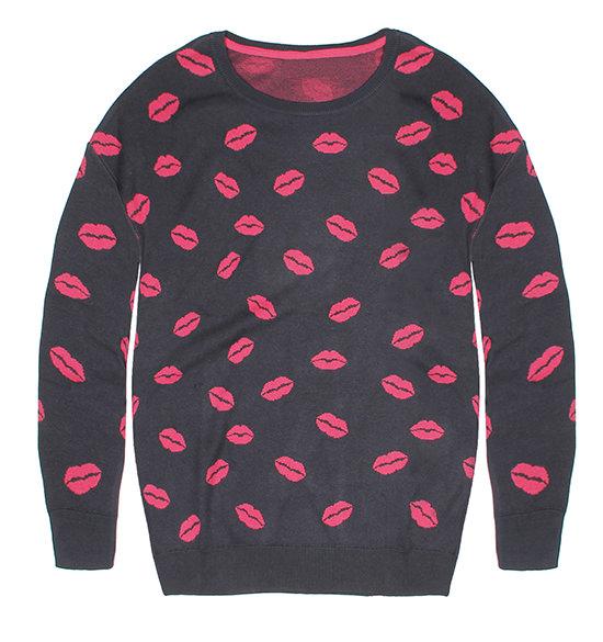 lips sweater