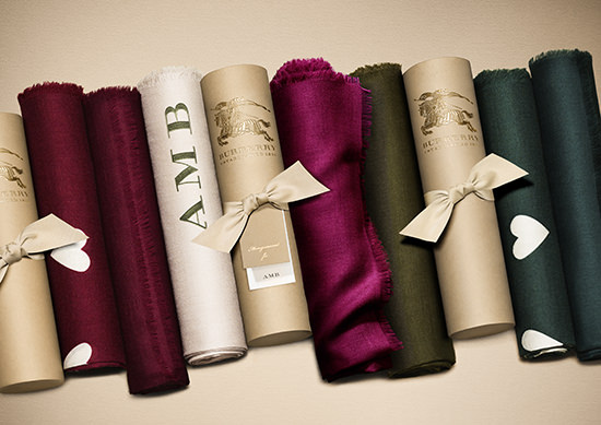 the_Burberry_Scarf_Bar