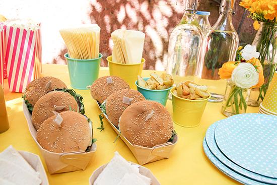 Organizzare un brunch cosa cucinare come apparecchiare e - Tavole apparecchiate per buffet ...