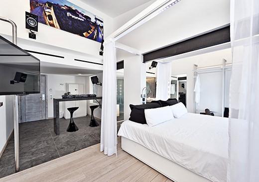 Ushuaia_Ibiza_Beach_Hotel_room